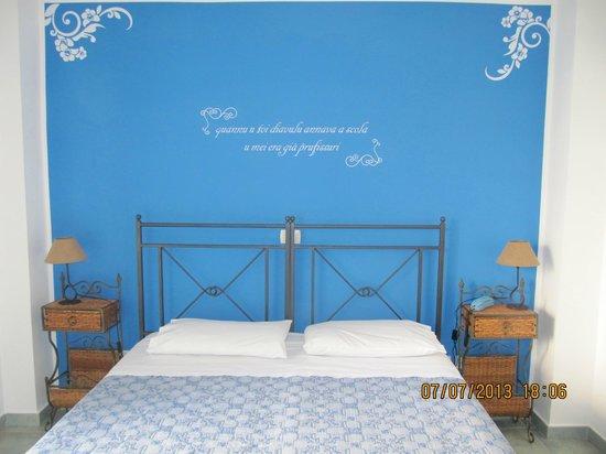 Hotel Donna Rosa: camera da letto