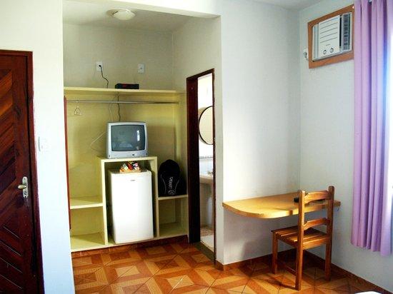 Hotel Litoral: Apartamento espaçoso, com ar cond., TV e frigobar