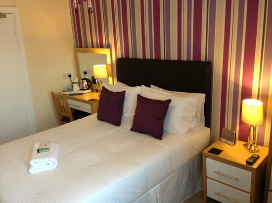 Tyndale B&B: Newly refurbished double en-suite