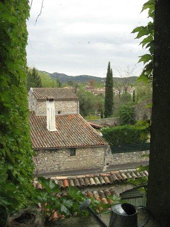 Les Jardins du Village: Vue de ma suite sur le village et le vignoble