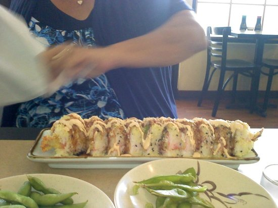 Toshi's Sushi : the best crunch roll EVER