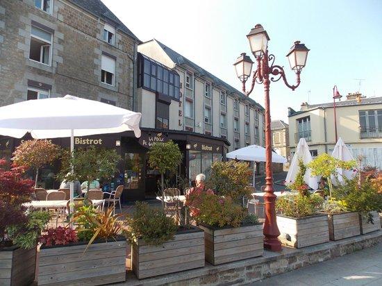 Hôtel-Restaurant Le Fruitier : terras