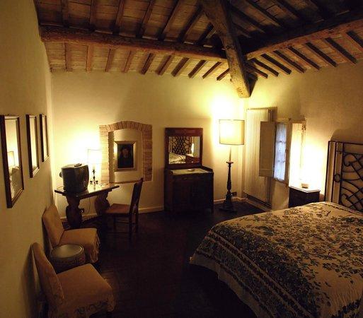 Fattoria dei Comignoli: camera  Perugino