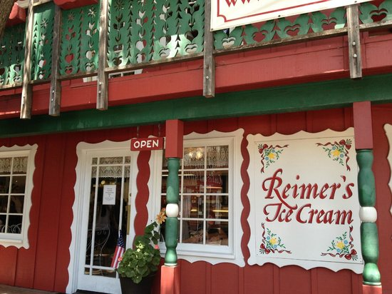 Reimer's Candies and Gifts: the ice cream shop