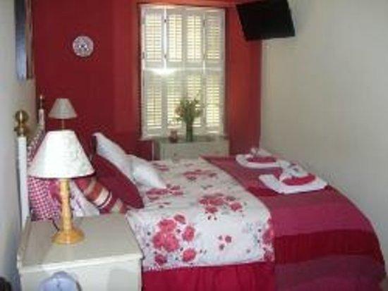 Richmond Cottage: bedroom