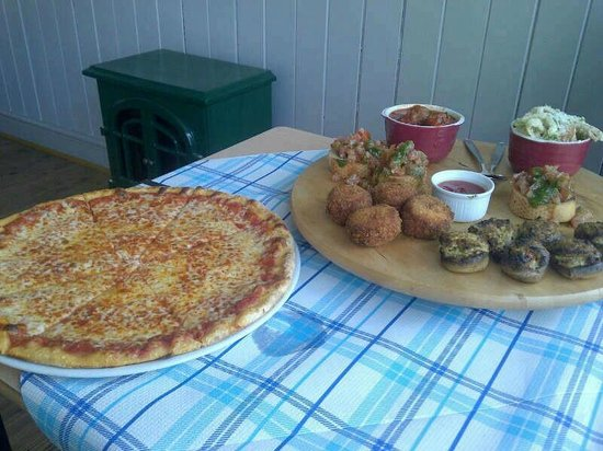 Le Delicatezze Di Bruno : £12 Italian tapas and any pizza offer