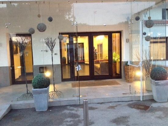 BNS Hotel Francisco: ingresso principale