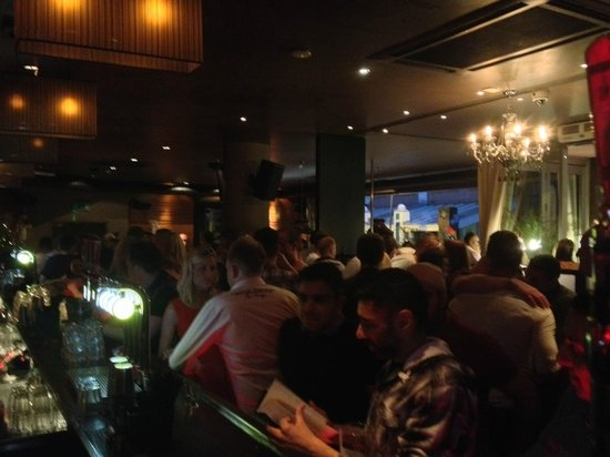 Prohibition Bar & Grill: Busy Night
