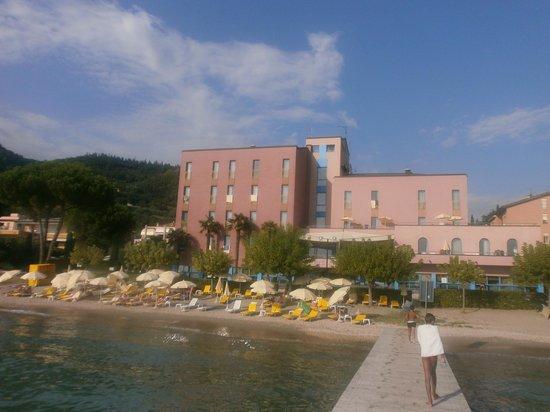 Sportsman Hotel: Hotel vom Steg