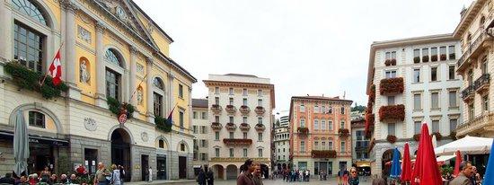 لوجانو, سويسرا: Piazza della Riforma