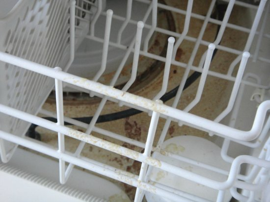 Silver Beach Hotel : Inside the dishwasher
