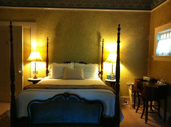 Camellia Inn: beautiful rooms
