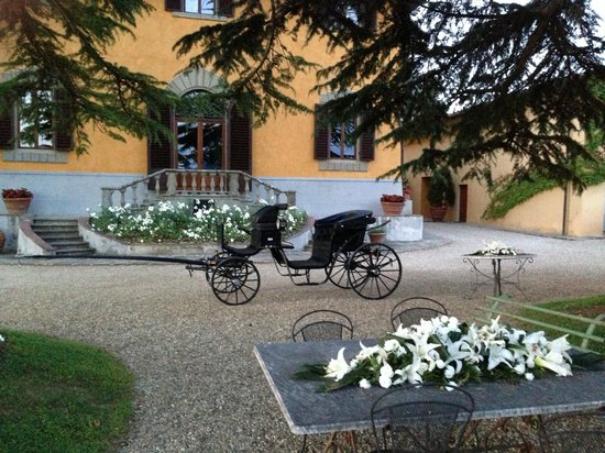 Villa Poggio Bartoli: Eine der zahlreichen, wunderschönen Kutschen
