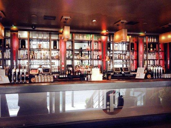 Prohibition Bar & Grill: Bar Area