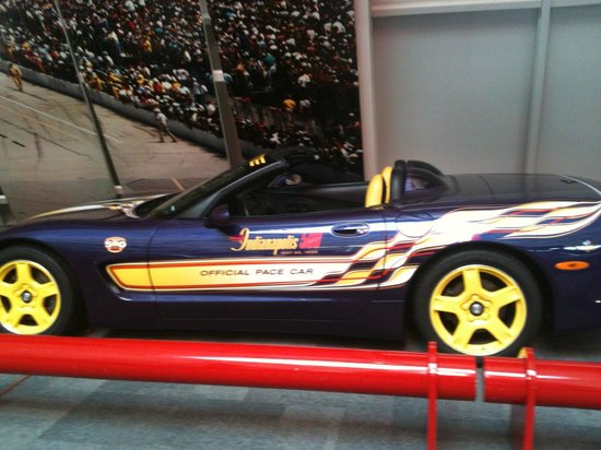 awesome corvettes picture of national corvette museum bowling green. Cars Review. Best American Auto & Cars Review