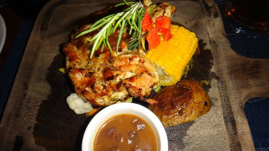 La Cantina BBQ: Pineapple chicken