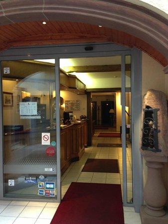 Couvent des Franciscains: Entrance to the reception