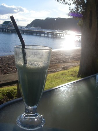 Waterfront Cafe: Delicious spirulina smoothie