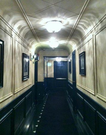 Cafe Romano: Hall