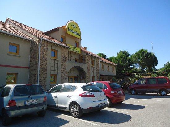 La Villa Martégale : Hôtel Balladins Martigues