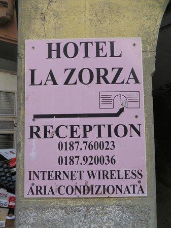 Hotel La Zorza: Hotel sign