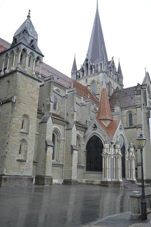 ibis Lausanne Centre: Lausanne Cathedral