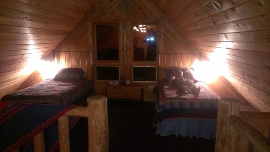 High Point Village Resort: loft sleeping area