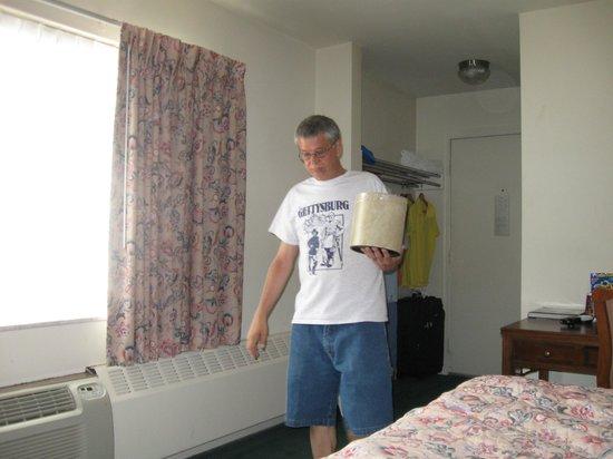 Inn of Rosslyn: getting ice/always plenty available