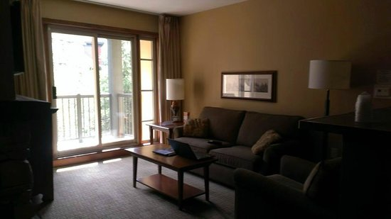 Weider Lodge - Blue Mountain Resort: LIVING ROOM