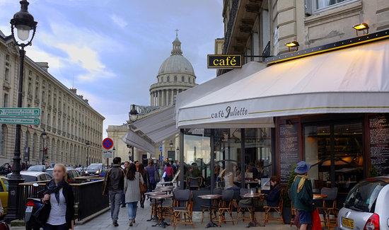 Cafe Juliette: Café Juliette; Anciennement restaurant Les Fontaines; tout récemment relooké dans le style vieux