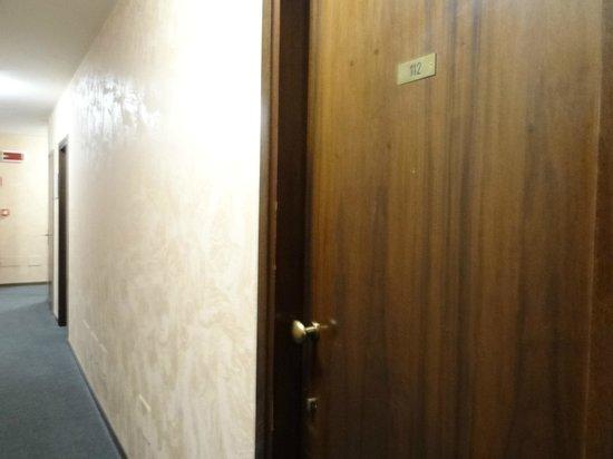 Hotel San Vito: room door