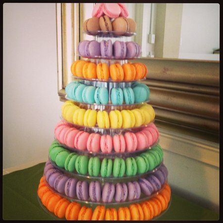 Marche De Macarons: Colorful Macaron Tower