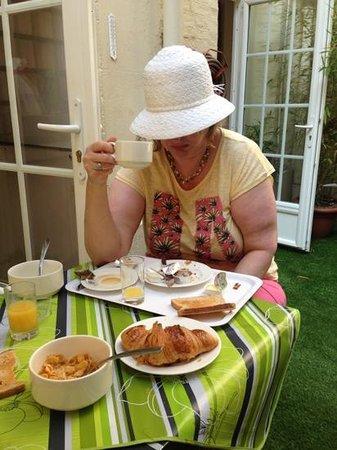 Eden Hotel Montmartre: great Breakfast