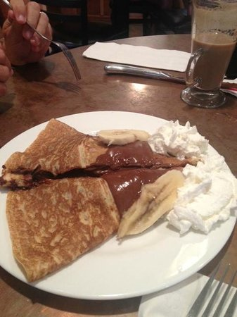 Coquette's Bistro & Bakery : Nutella and Banana Crepe