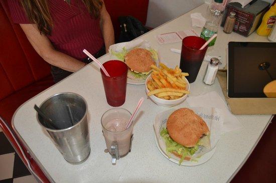 Eddie Rocket's Diner: Over-Sized Burgers & Paprika Fries-Yum??