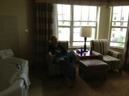 Country Inn & Suites by Radisson, Grand Forks, ND : Big sunroom area