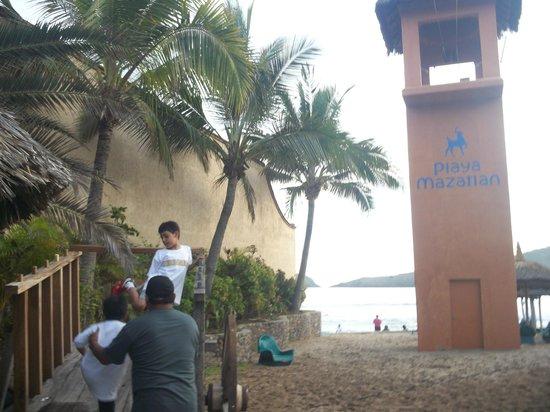 Hotel Playa Mazatlan: jardin del hotel