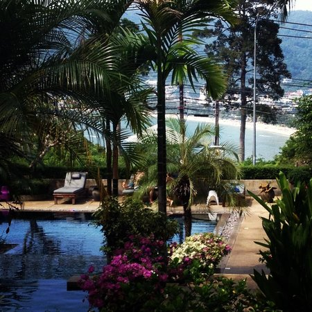 Baan Yin Dee Boutique Resort: The view of Patong beach from our pool