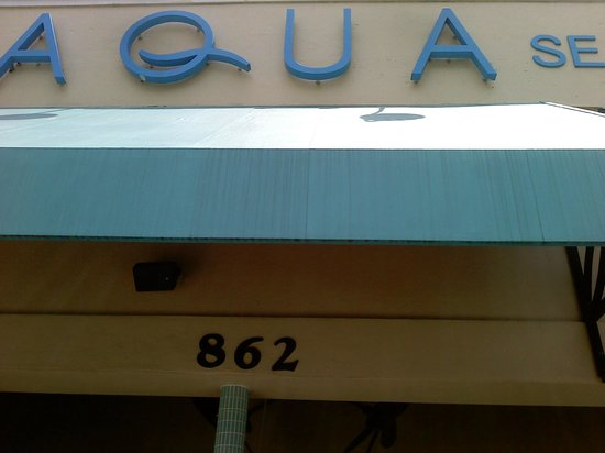 Aqua Seafood & Steaks: Entrance