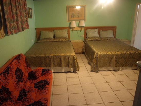 A1 Apartments Aruba: Large Studio for 6