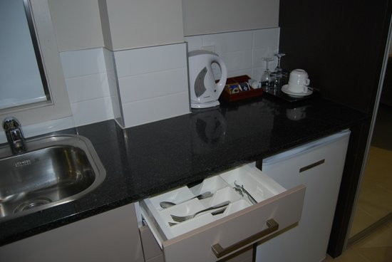Auckland City Hotel-Hobson St : Stored Cutlery/Cookware