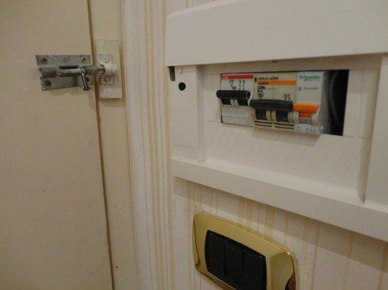 Grand Hotel Hermitage: contatore, chiusura porta col chiavistello