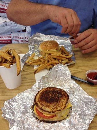 Five Guys: yummy!