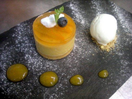 Capistrano Restaurant : peach and chamomile mousse