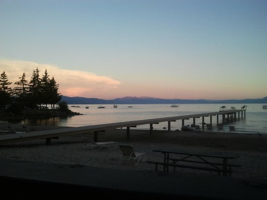 Franciscan Lakeside Lodge: Afterglow from sunset (view from the deck)