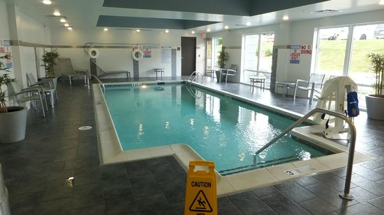 Hampton Inn & Suites Greensboro/Coliseum Area: Pool