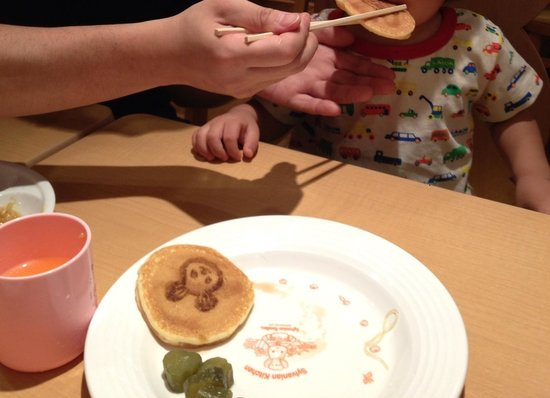 Sylvanian-Families Kitchen : 可愛いパンケーキ!