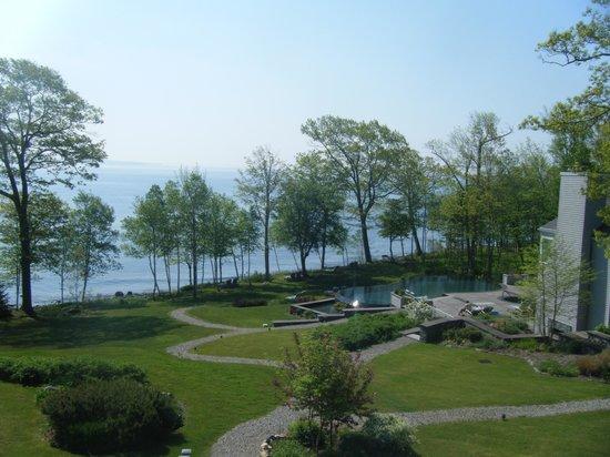 Inn at Ocean's Edge: Back patio view