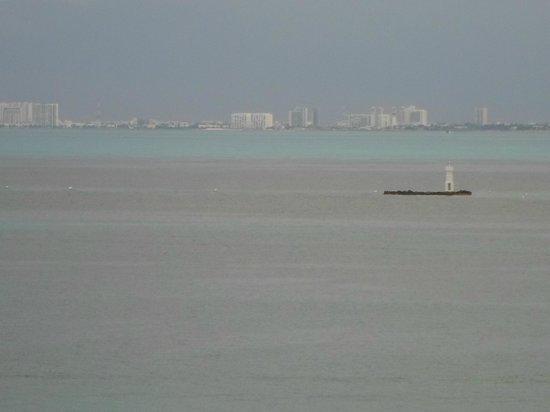 Hotel Bahia Chac Chi: En el farito en ese islote snorqueamos entre peces de colores
