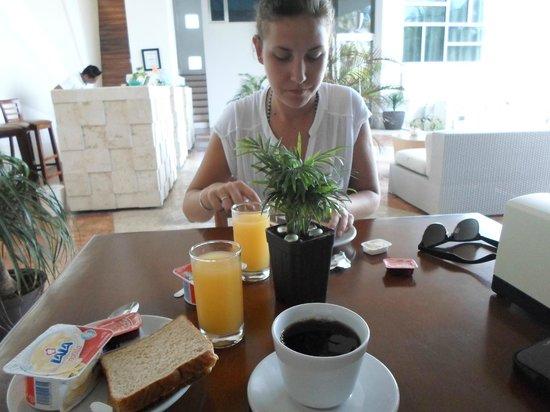 Hotel Bahia Chac Chi: desayuno basico